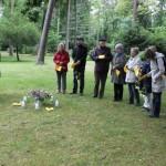 Auf dem Oberräder Waldfriedhof trafen sich Freunde und Angehörige zum Gedenken Foto: Kurt-Helmuth Eimuth